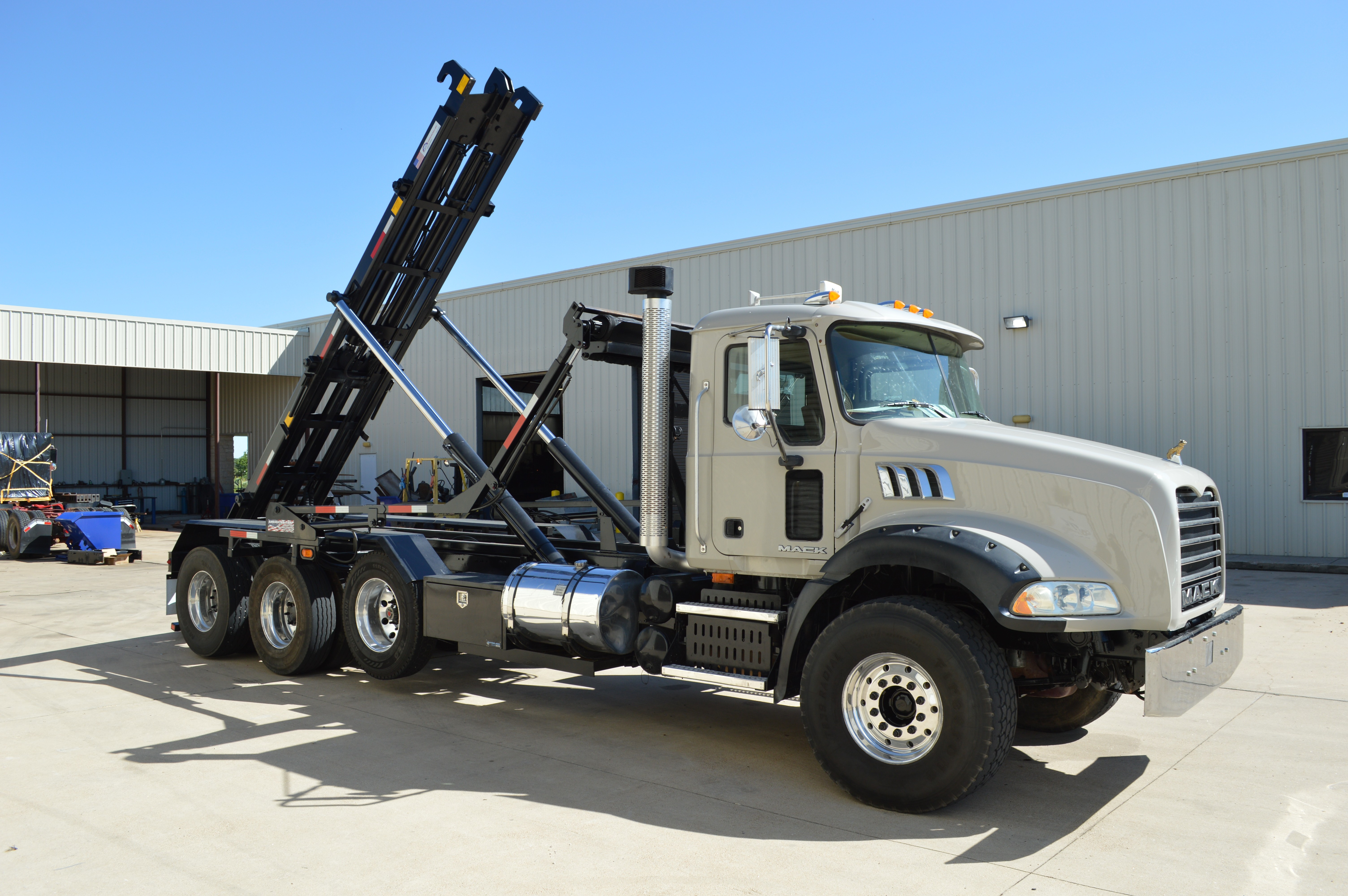 Used, 2009, Mack, GU813 Roll Off (Brand new american hoist & american tarp), Transfer Trucks