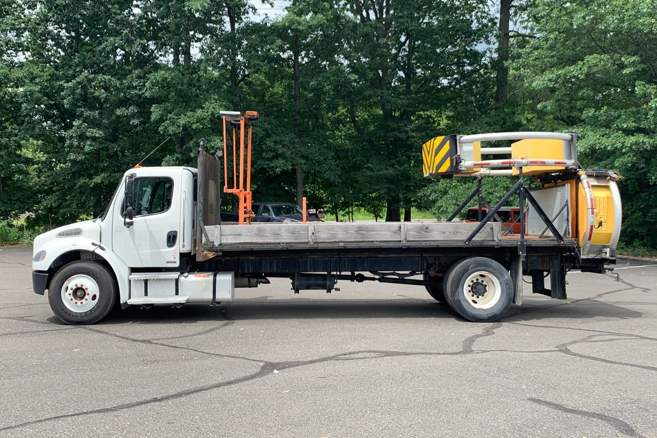 Used, 2004, Other, FREIGHTLINER M2-106 W/ SCORPION ATTENUATOR, Other