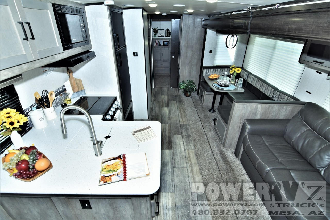 Used, 2020, Heartland, North Trail Ultra Lite Caliber 31QUBH, Travel Trailers