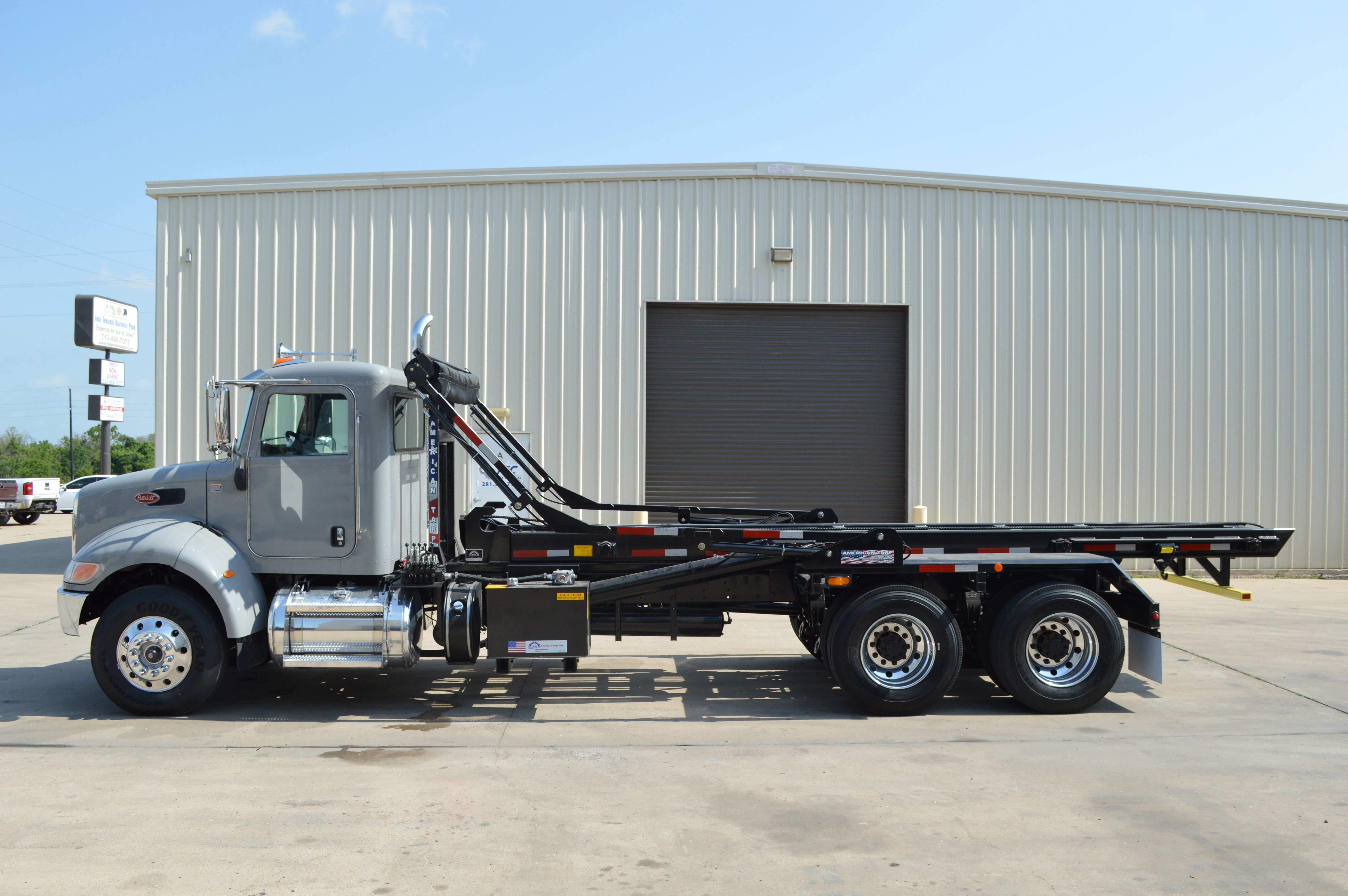Used, 2016, Peterbilt, 348 Roll off Trucks (SEVERAL AVAILABLE), Transfer Trucks