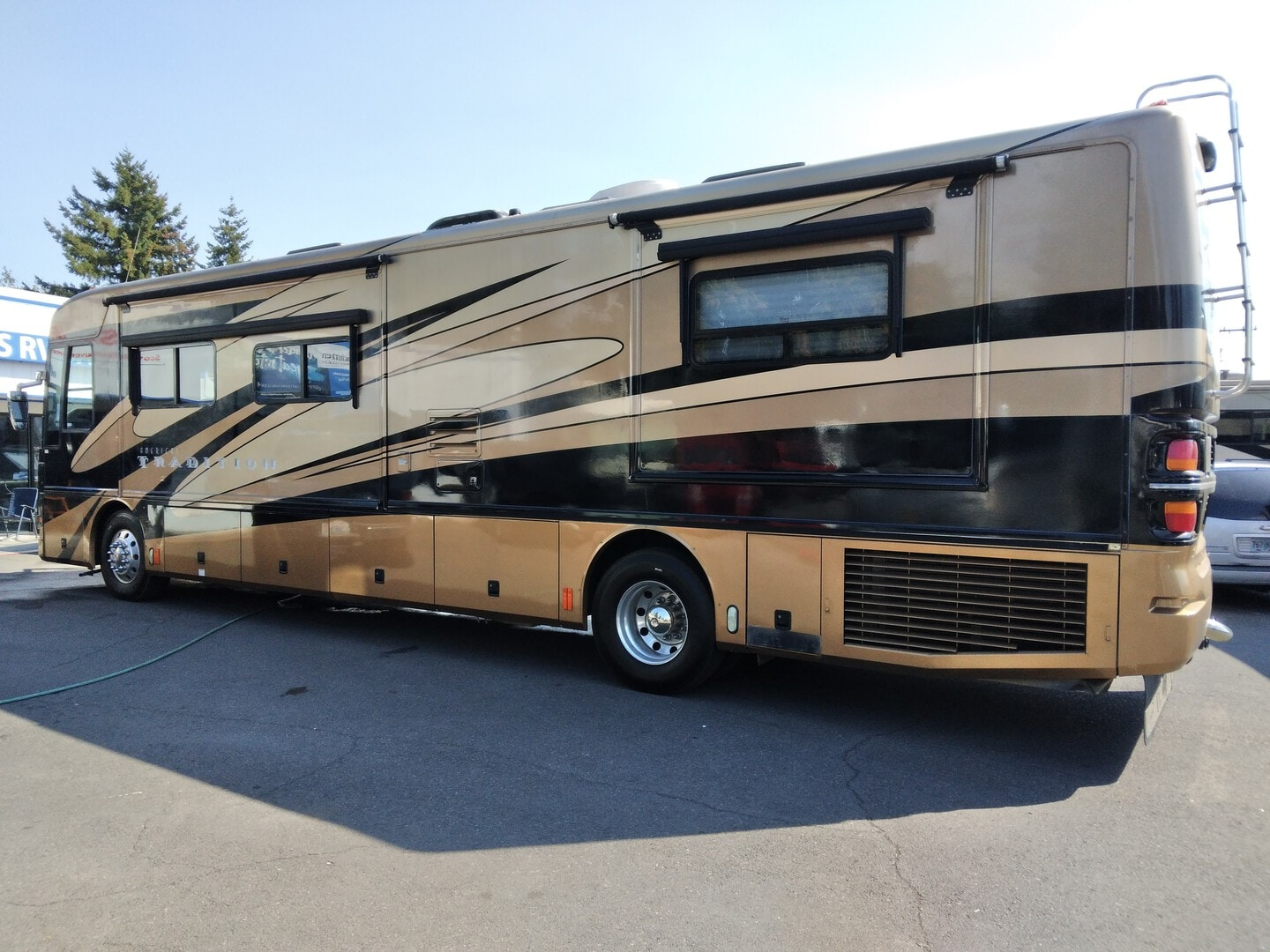 Used, 2004, Fleetwood, AMERICAN TRADITION, RV - Class A