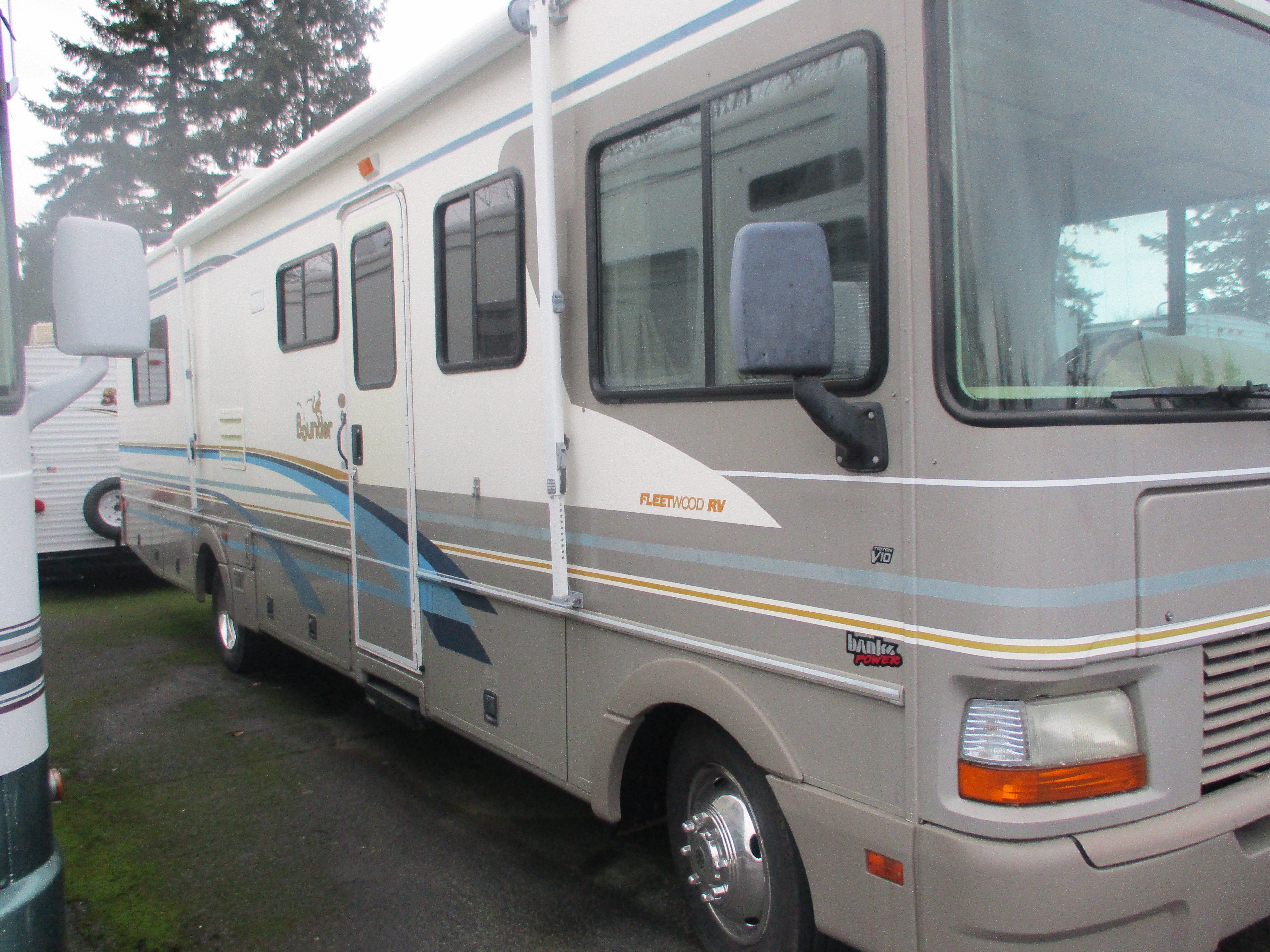 Used, 2000, Fleetwood, Bounder, RV - Class A