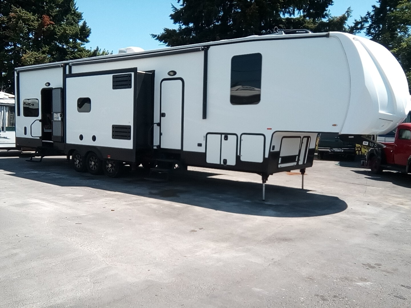 Used, 2015, Forest River, XLR Thunderbolt 415AMP, Toy Haulers