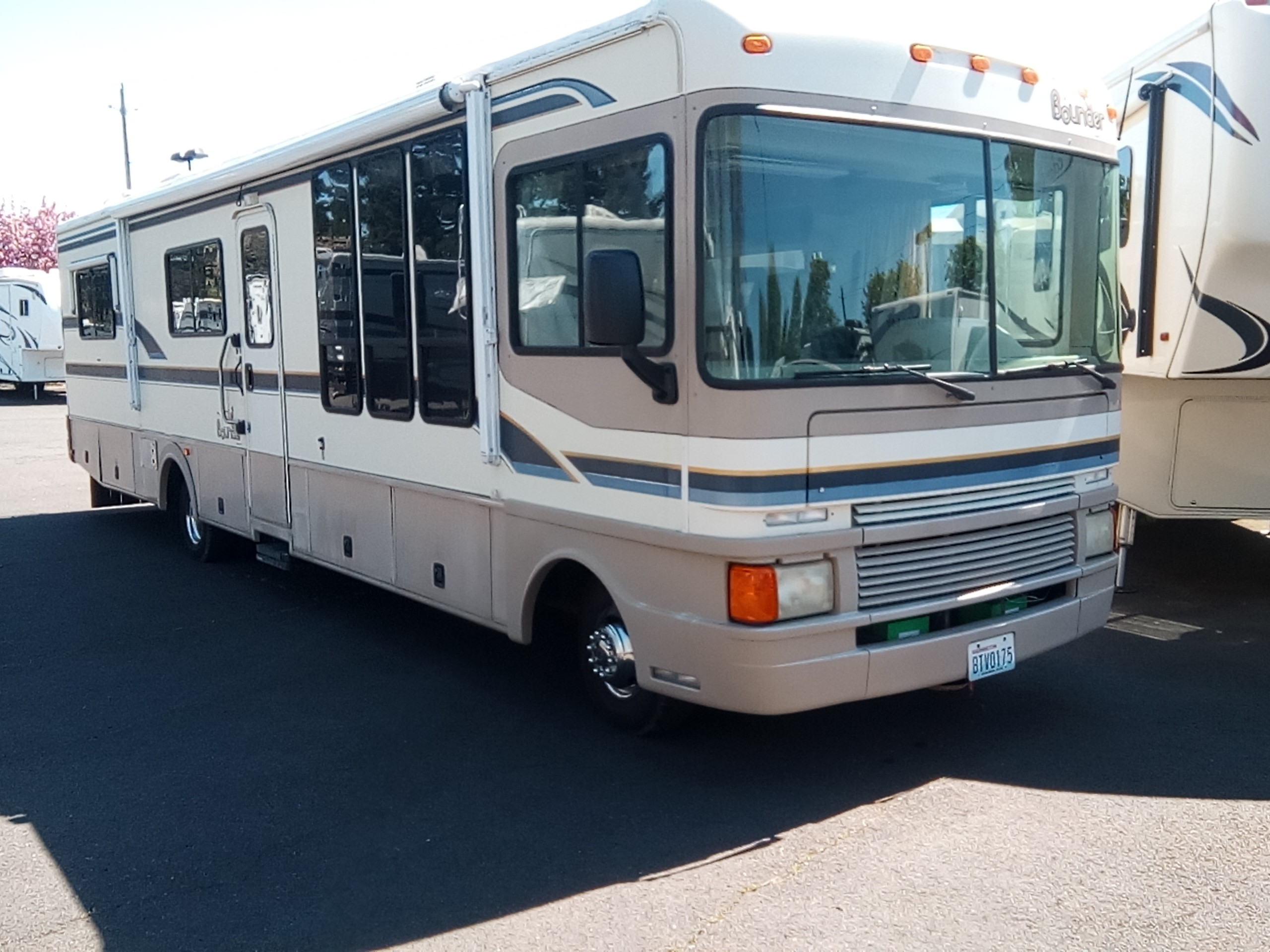 Used, 1997, Fleetwood, BOUNDER , RV - Class A