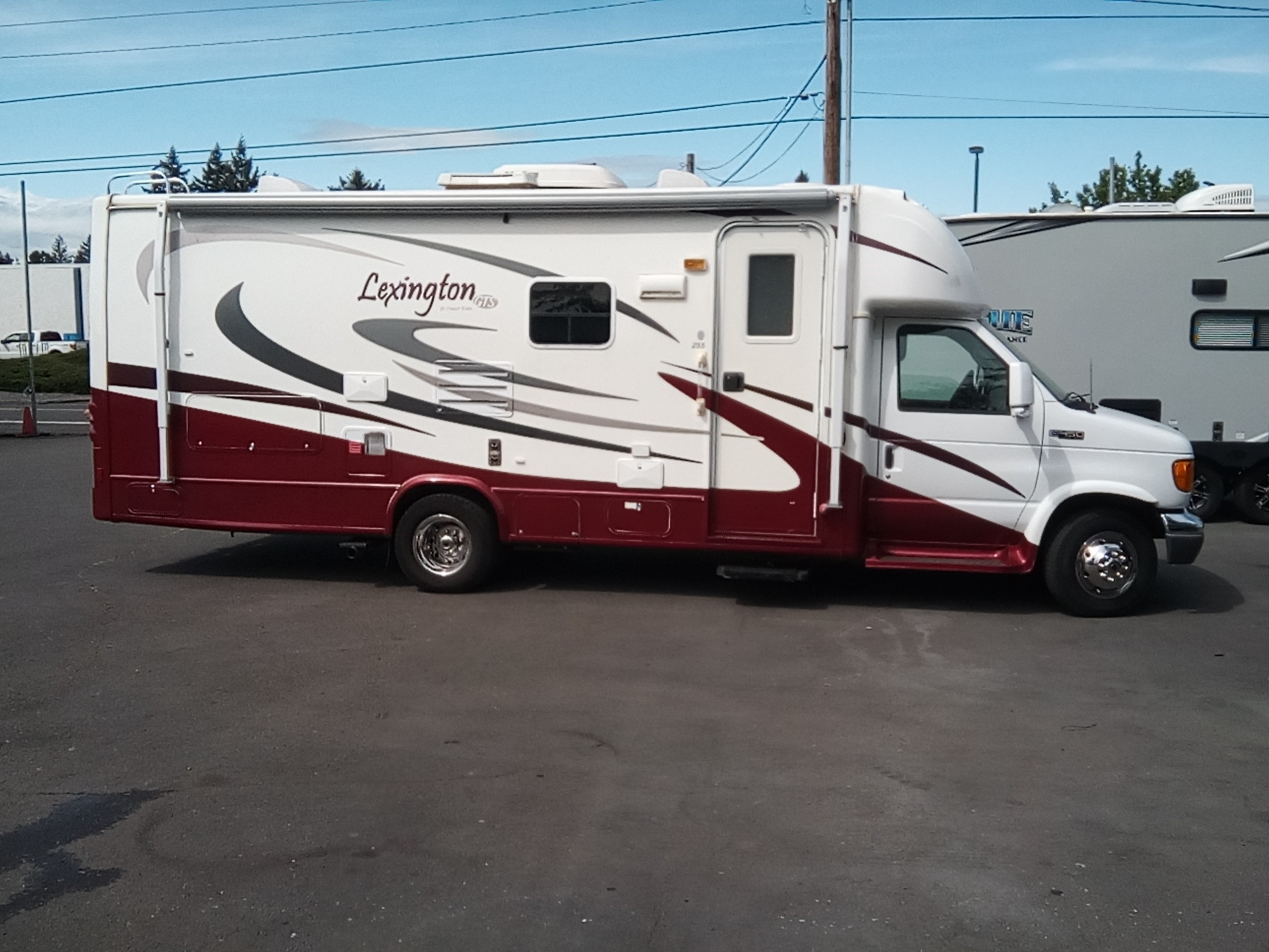 Used, 2005, Forest River, LEXINGTON, RV - Class C