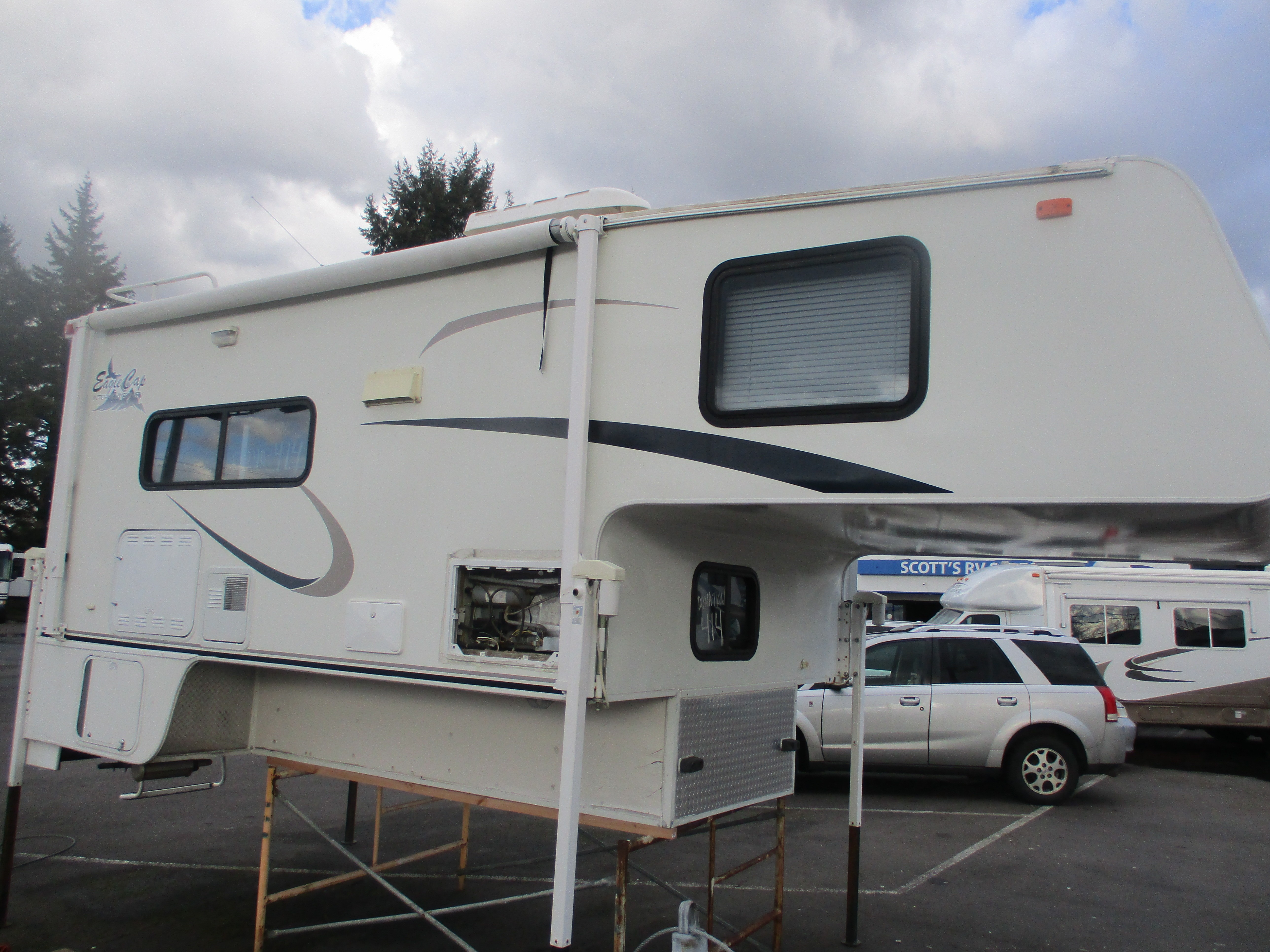 Used, 2004, Intermount, EAGLE CAP, Truck Campers