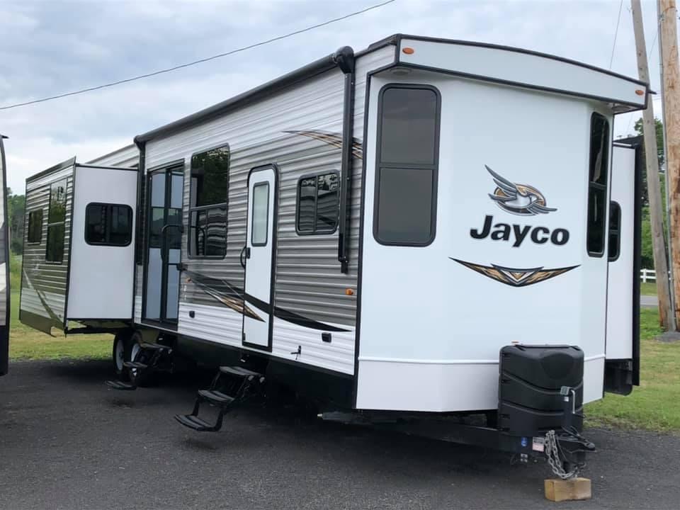 Used, 2019, Jayco, 40RLTS|Jay Flight Bungalow, Travel Trailers