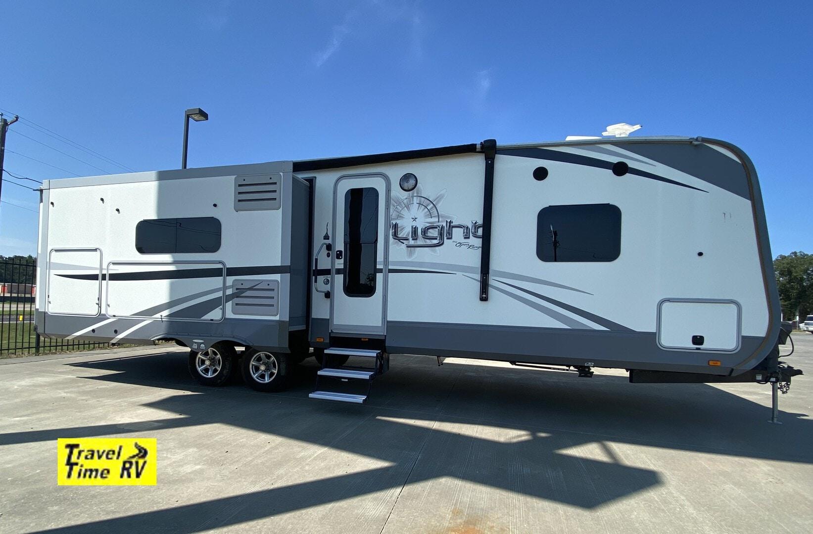 Used, 2017, Highland Ridge, Open Range Light LT272RLS, Travel Trailers
