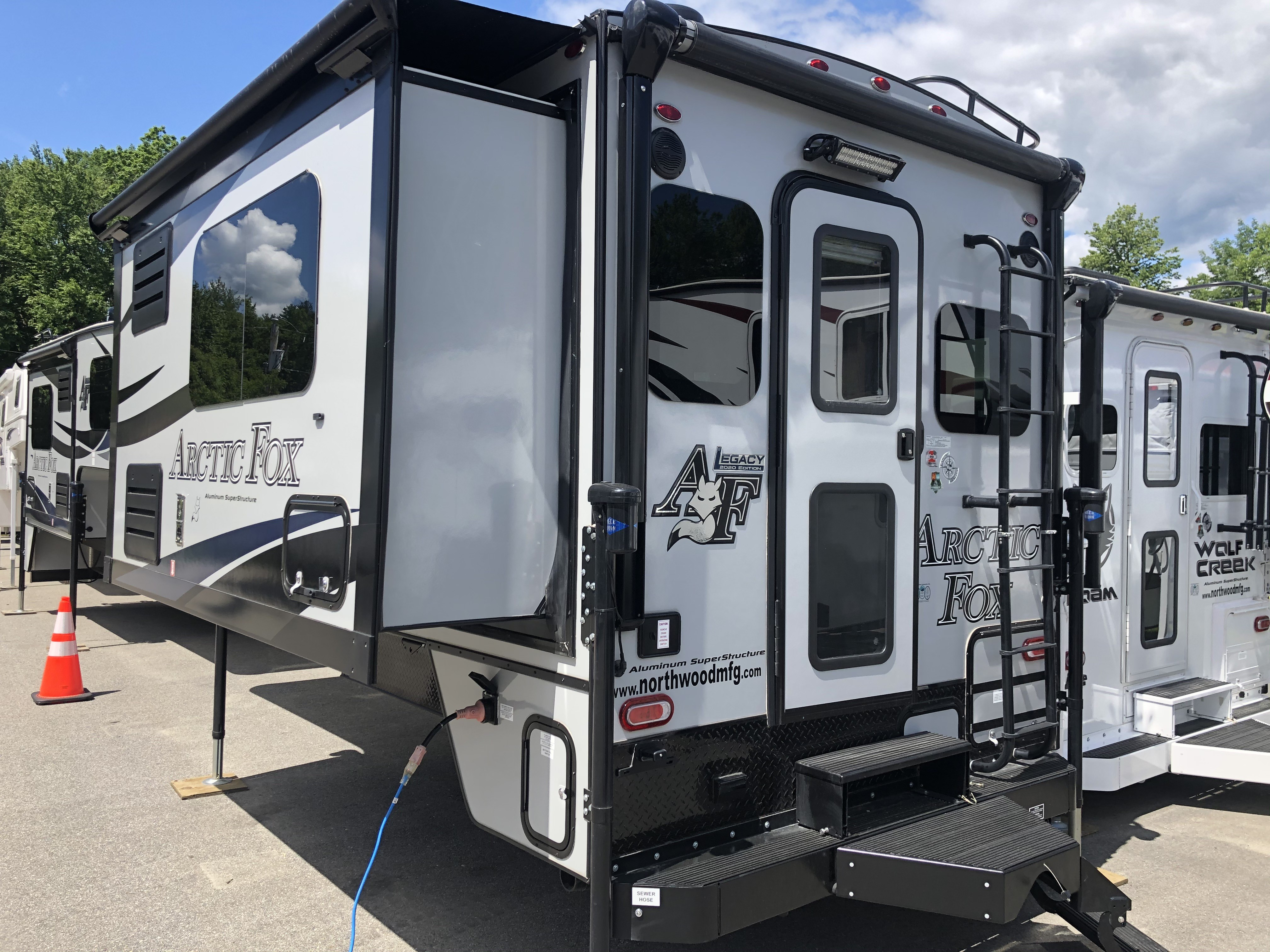 New, 2020, Arctic Fox, 992, Truck Campers