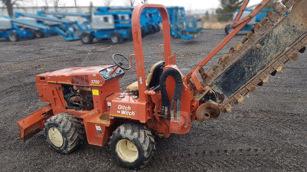 Used, 2000, Ditch Witch, 3700, Trenchers