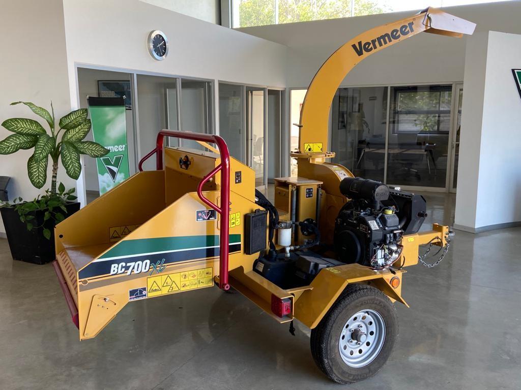 máquina astilladora, equipo usado, astilladora barata, trituradora de ramas, equipo Vermeer forestal, venta de maquinaria, venta de equipo, chipeadora