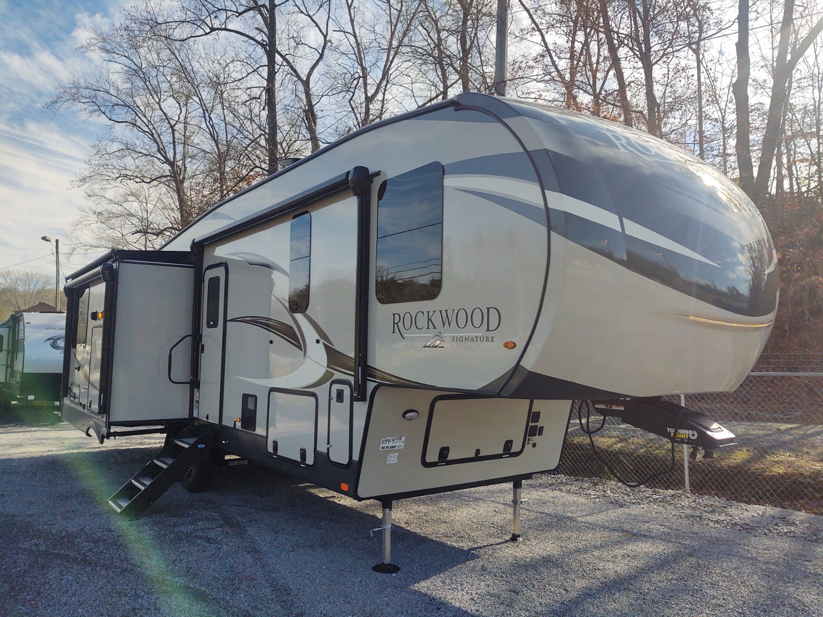 New, 2021, Forest River, ROCKWOOD SIGNATURE FIFTH WHEEL 8291RK, Travel Trailers