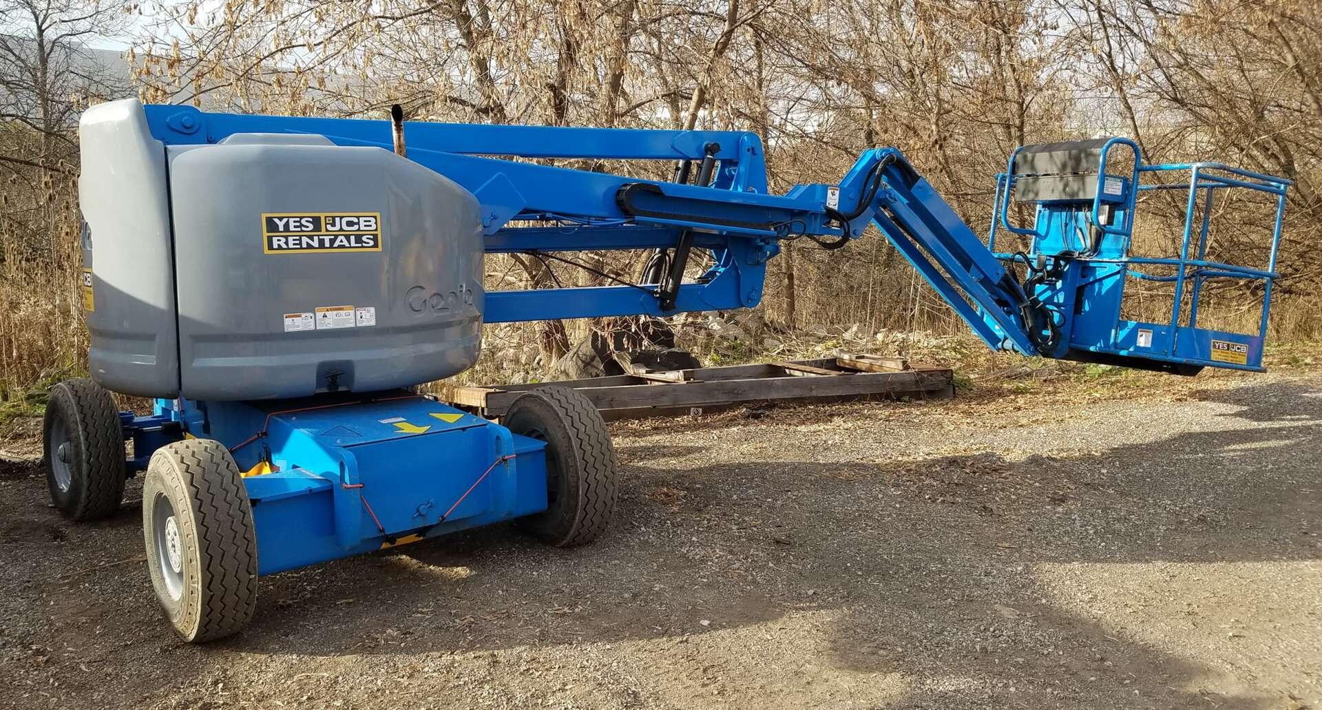 Used, 2007, Genie, Z45, Bucket / Boom Trucks
